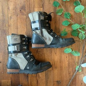 Sorel black and gray lace up moto boots